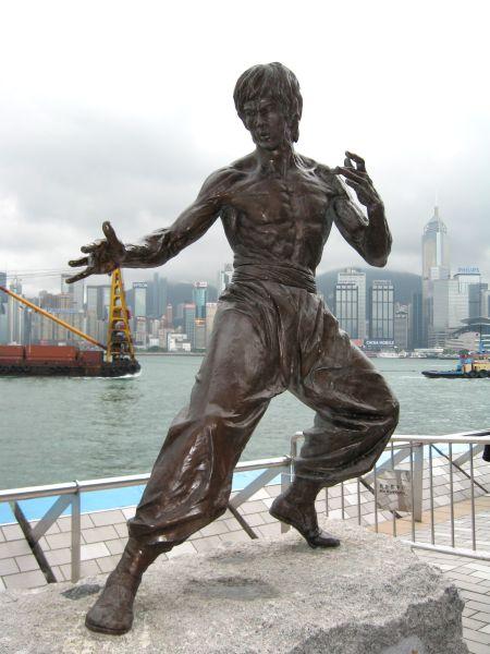 Una statua di Bruce Le...