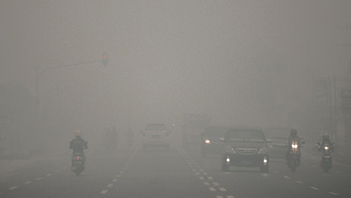 Strade in Indonesia durante l'Haze 2015